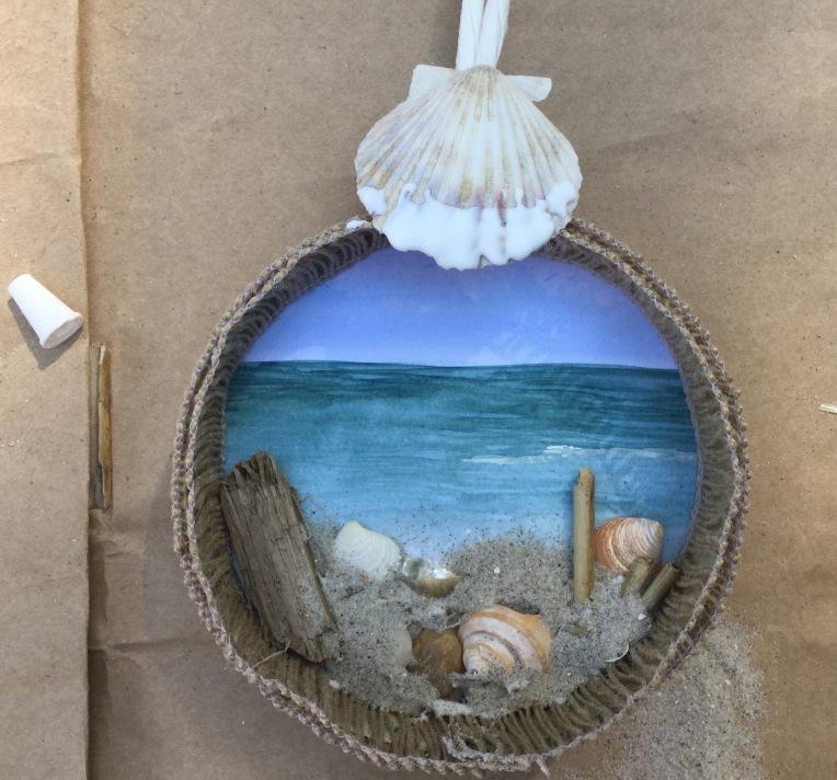 Beach diorama craft with DIY steps http://wp.me/p4cmnl-15e