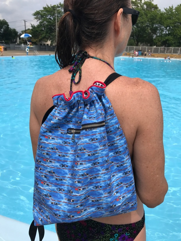 Free Sewing Pattern for a Delux Drawstring Bag with Pockets. Swimmer pattern, Perfect for the pool!