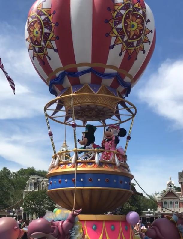 Mickey and Minnie Disney World parade