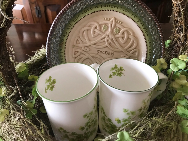 Shamrock tea cup basket with Irish family flate